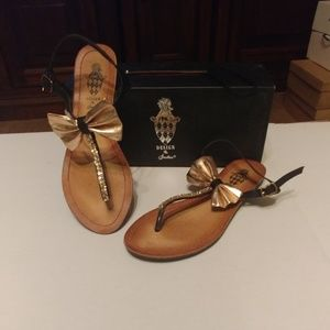 Design By Jacobies pink bow sandals